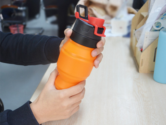 portable silicone bottle cup for wholesale for water storage-18